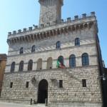 Town hall. #historicalplace #monument #monuments #igersitalia #igersitaly #visititaly #italia #italianeography…