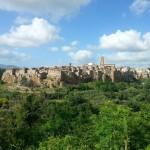 Pitigliano #nofilter #medievaltowns #walkinginetruria #igersitalia #igersitaly #visititaly #italia #italianeography #italianlife…